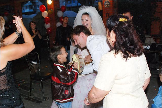 свадьба, фотографии: украли туфельку