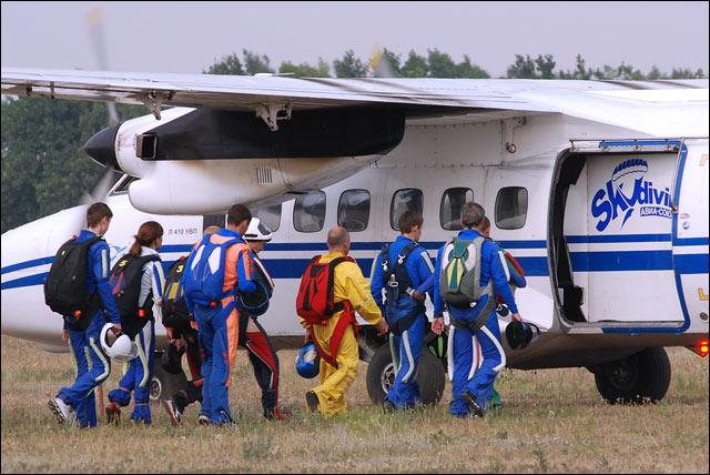 Посадка в самолет Л 410 УВП